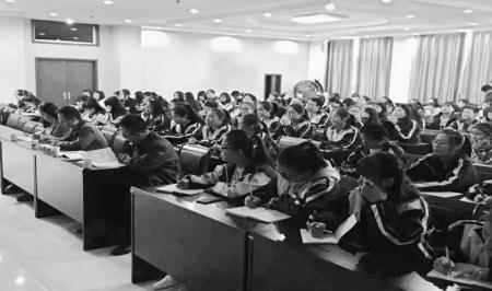 春建功新时代 吕梁团市委走进校园宣讲十九大精神 山西青年报2017